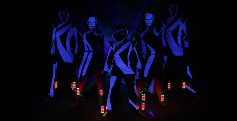 světelná show Postrpoi