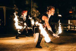 akční tanec s ohněm - fireshow od Postrpoi