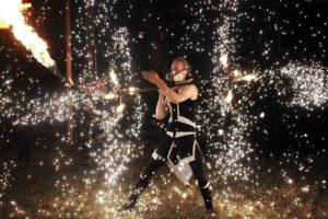 pyroefekty v ohňové show - Postrpoi